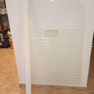 For sale: Glass privacy screen for bath